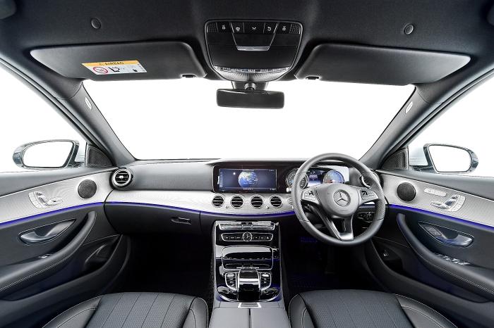 หน้าจอ Digital widescreen cockpit พร้อมไฟ ambient 64 เฉดสี