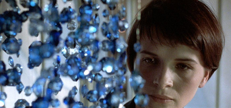 "Tre colori – Film blu"" di Krzysztof Kieślowski - Recensione - Critical Eye"