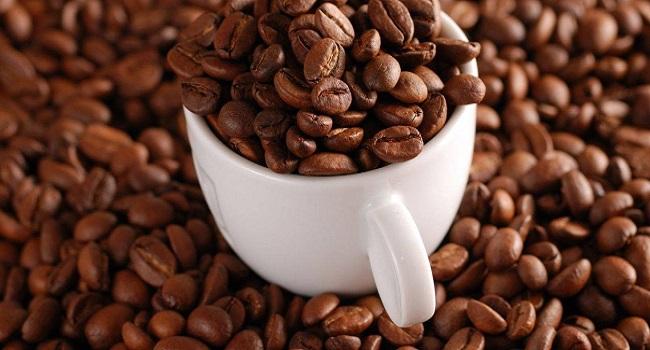 Để mua được cà phê nguyên chất đạt chuẩn, cách tốt nhất là bạn hãy tìm đến đơn vị bán cà phê hoạt động lâu năm