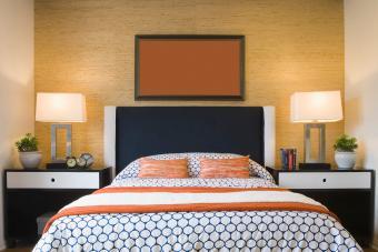 کاغذ دیواری بافت دار در اتاق خواب معاصر