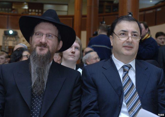 Главный раввин России Берл Лазар (слева) и Лев Леваев
