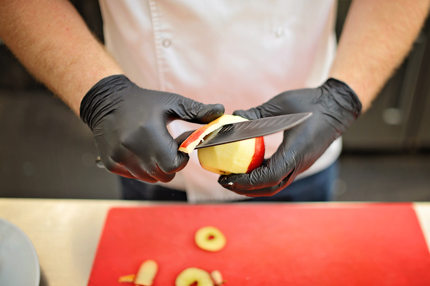 tedYVc3CTuUUtyuYEhlhT6SuAPHEQHbQgWcBBFoTYQv9mRwLucut7fcp73ZcmRqorpbccCCGJRHnkBLJPBwKGdQQevzWvYfZbjjPH8TQXHZdbh6bIflTaqdGLRmzZBsmP4TK lLF - Рецепт приготування шашлику від сушефа житомирського ресторану. Фото з майстер-класу