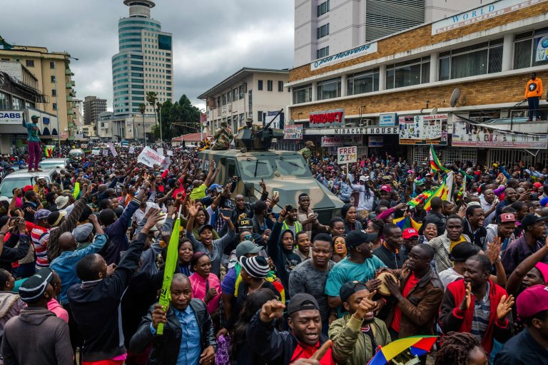 Thousands dancing on Zimbabwe streets to celebrate end of Mugabe era