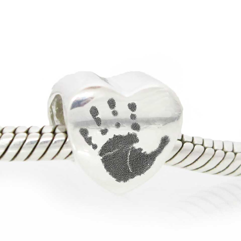 Low res - Engraved heart charm bead_1.jpg