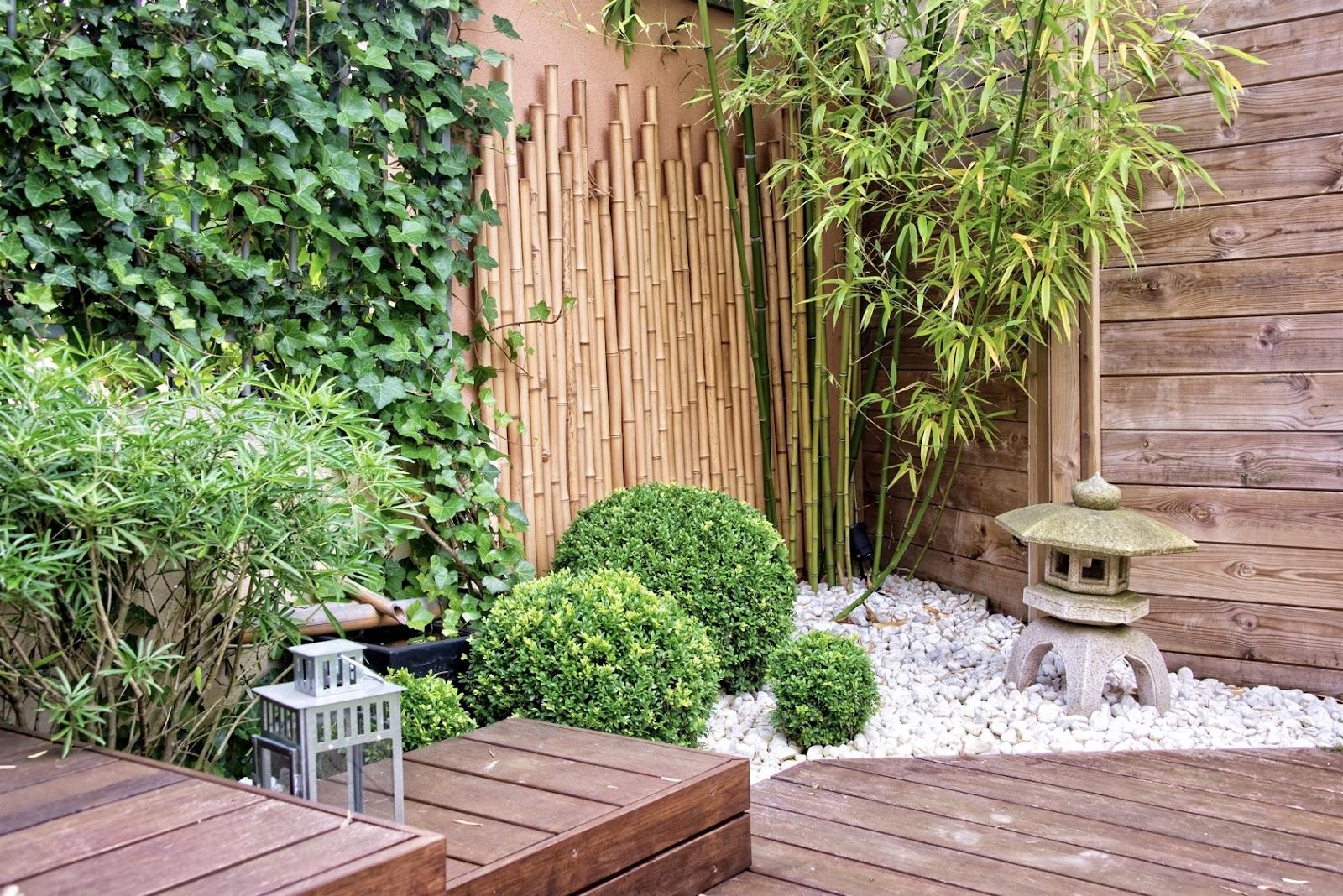 Penggunaan bambu dan kayu sebagai tembok - source: bramblefurniture.com