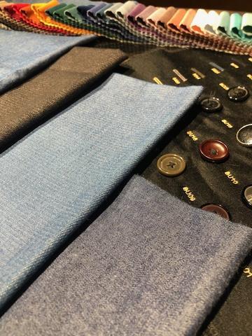 Costume en jean sur mesure | Le créateur de mode Nathon Kong