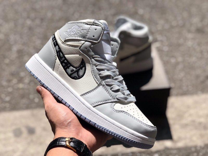 Giày Nike Air Jordan 1 cổ cao hỗ trợ rất tốt cho sức khỏe