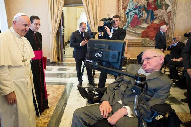 Tại sao nhà khoa học vô thần nổi tiếng Stephen Hawking có trong Hàn lâm viện Giáo hoàng