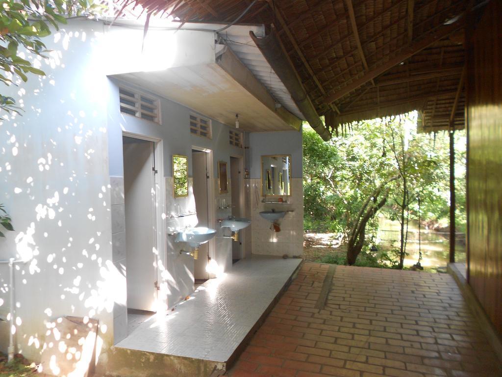 Nhà vệ sinh Bảy Trung Homestay