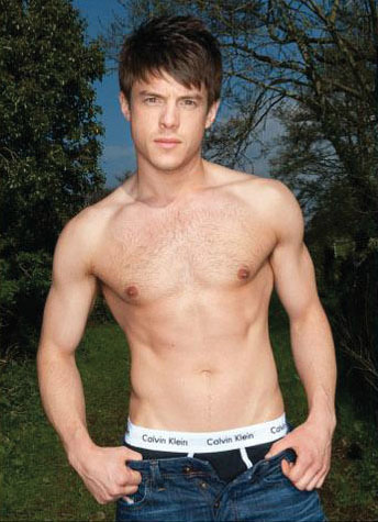 Craig-Vye-shirtless-3.jpg