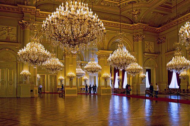 Букингемский дворец Бальный зал