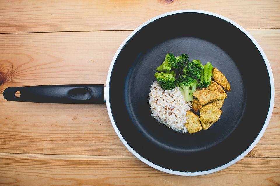 Cous - cous con verduras salteadas y limón encurtido, sabores exóticos, cocina oriental