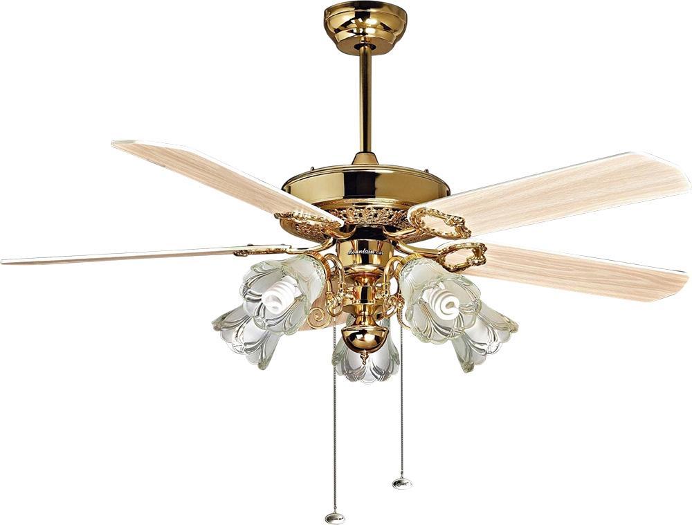Có nên sử dụng quạt trần đèn cho không gian phòng khách hay không?