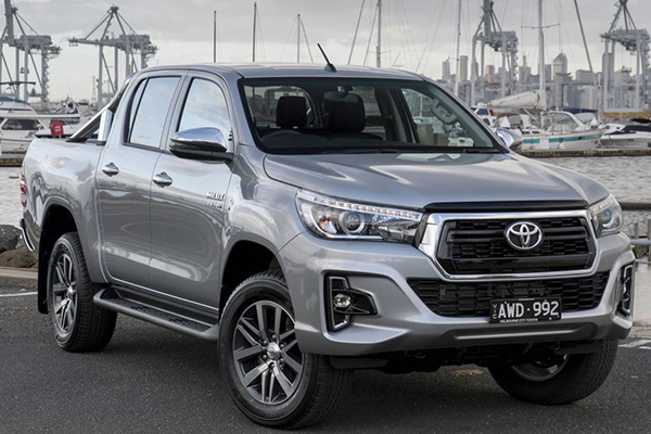 Toyota-Hilux-2019-angular-front