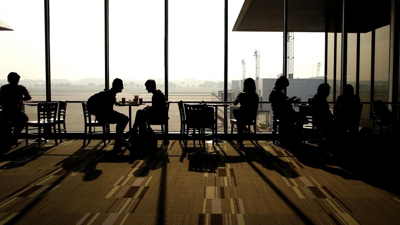 El amor viajando comienza en los aeropuertos