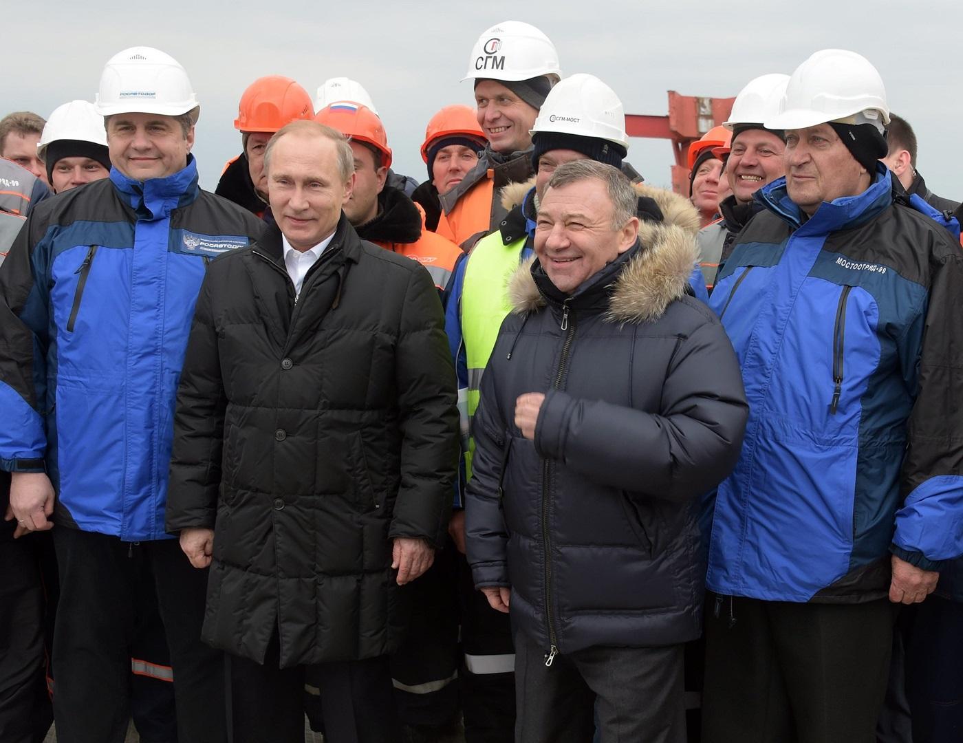После Ротенберга хоть камни с неба. Как Крым стал прибыльным бизнесом для друзей Путина