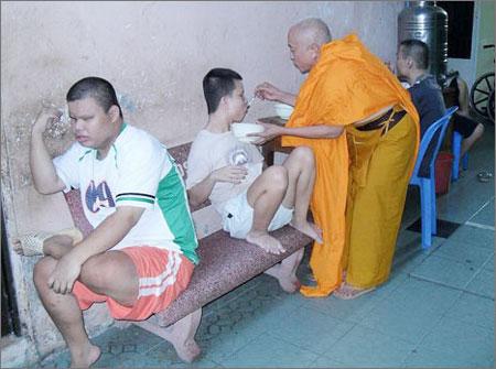 """Về """"Huân chương lao động hạng ba"""" và những tiêu cực khó chối cãi của chùa Kỳ Quang 2 - Ảnh 2"""