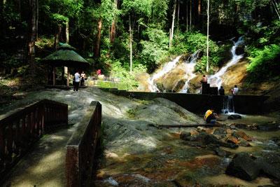 Waterfall 23.jpg