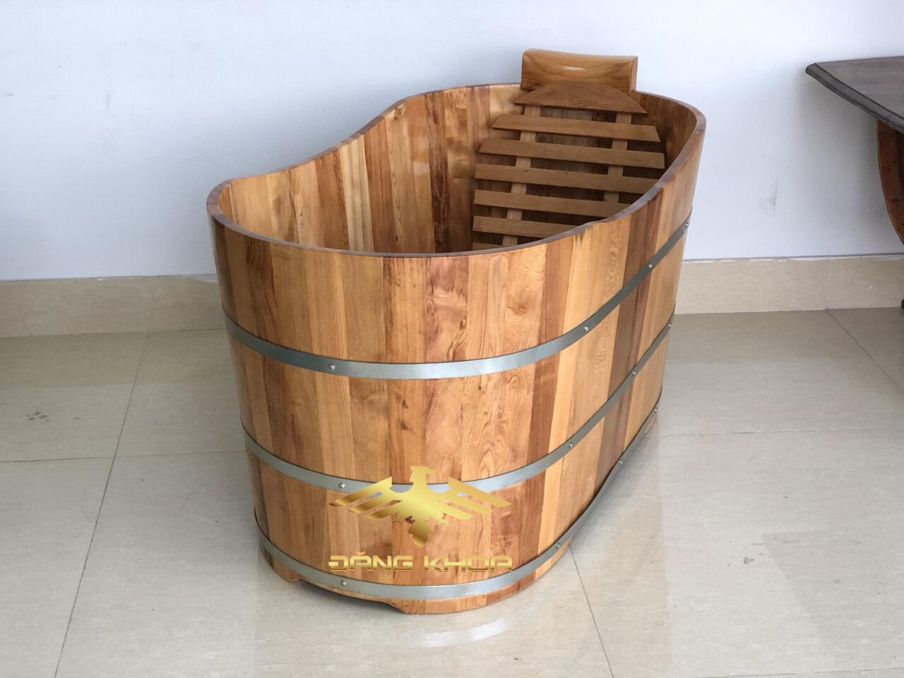 Hình ảnh thực về bồn tắm gỗ Oval