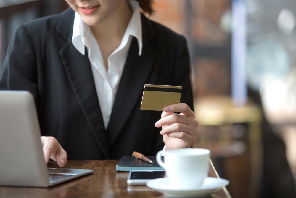 điều kiện vay bằng thẻ tín dụng