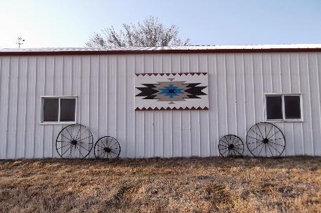 https://3.bp.blogspot.com/-RLBLKA9khSQ/UzoMfkDiGdI/AAAAAAAACKM/Rw4Ai4kez_g/s1600/Flint+Hills+Barn+Quilt+MVR+.JPG