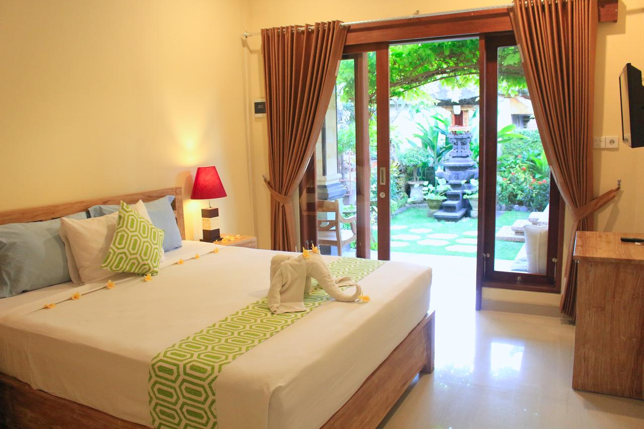 Double room with terrace at CR Tris Rooms Seminyak