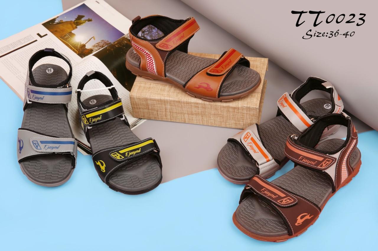 Công ty giày trẻ em thiết kế đa dạng kích cỡ