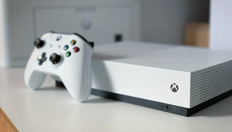 Xbox and controller - Can I bring my Xbox or PS4 game console on a plane?