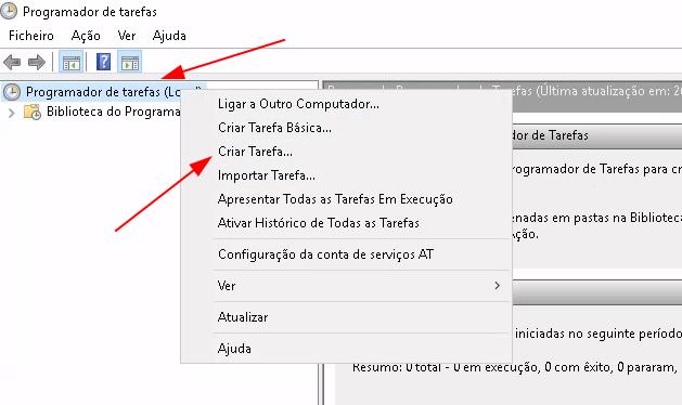 Janela principal demarcada com duas setas em vermelho para as opções de Programador de tarefas, localizado no menu esquerdo e com o botão direito em cima desta opção, aberto o menu de ação demarcado a opção de Criar Tarefa.
