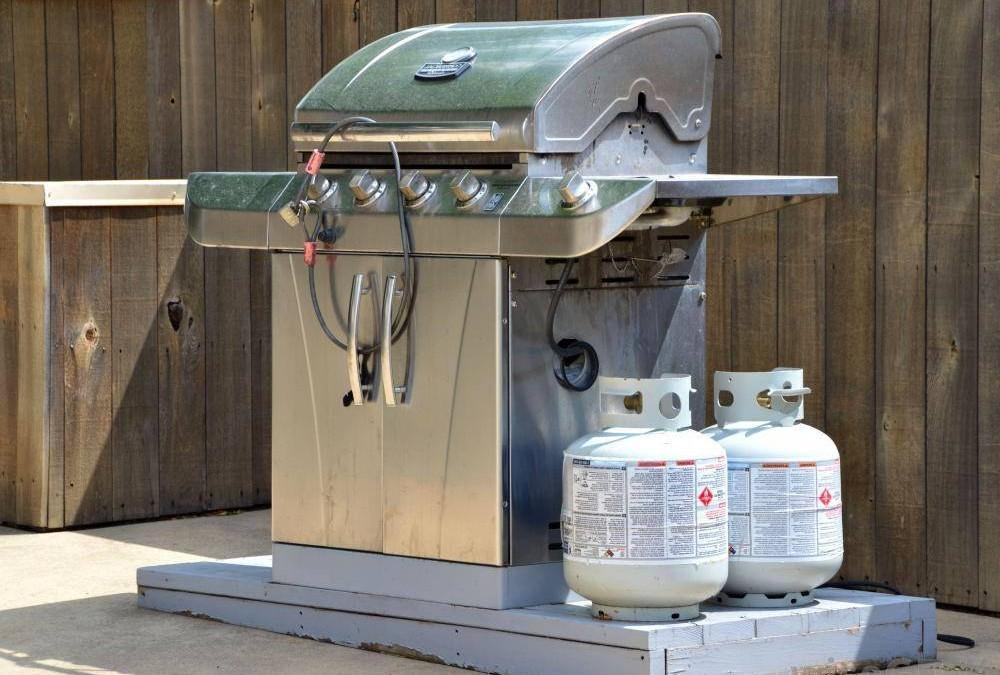 hy You Shouldn't Hook Your Gas Grill to Your Home Propane Tank