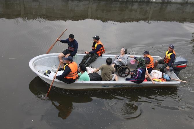 A file photo of the 2011 flood in Bangkok. Photo: Joel Ng / Coconuts Media