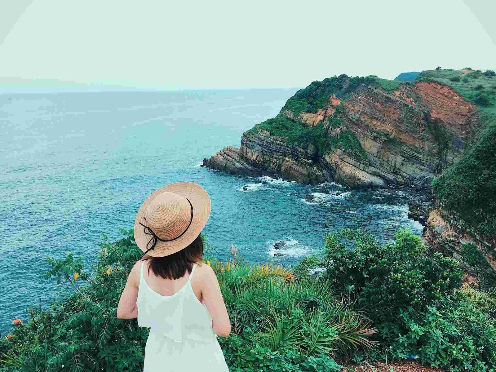 Bạn có thể tới những hòn đảo con tại Cô Tô