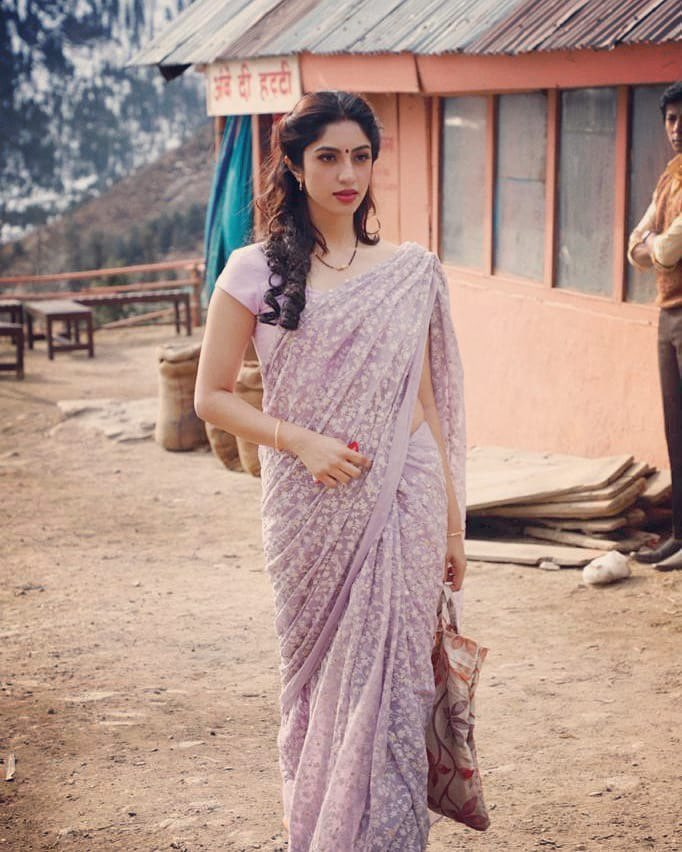 """Amrita Das Gupta in """"Mastram"""" Baniye Ka Lollypop Navel Queens"""
