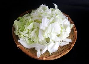 又一好吃的大白菜做法,花不到5块钱,家常下饭的做法 步骤2