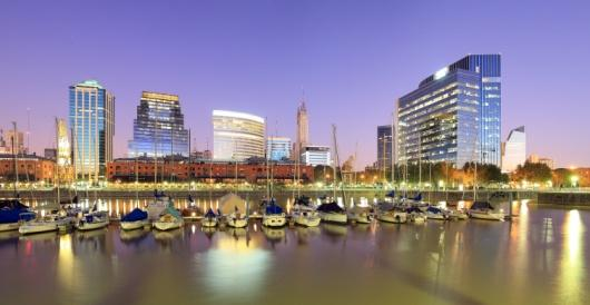 C:\Users\MariaConstance\Desktop\QWERTY TRAVEL\Fotos\BUENOS AIRES\Buenos_Aires_Cityline_at_Night_-_Irargerich.jpg