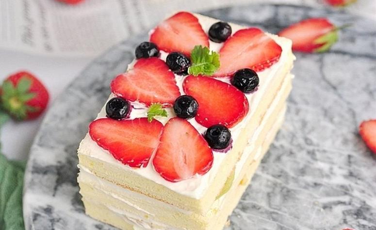Bánh ngọt giúp không khí buổi tiệc trở nên ấm cúng và tinh tế hơn