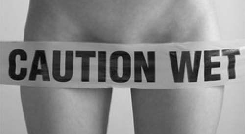 Caution wet banner