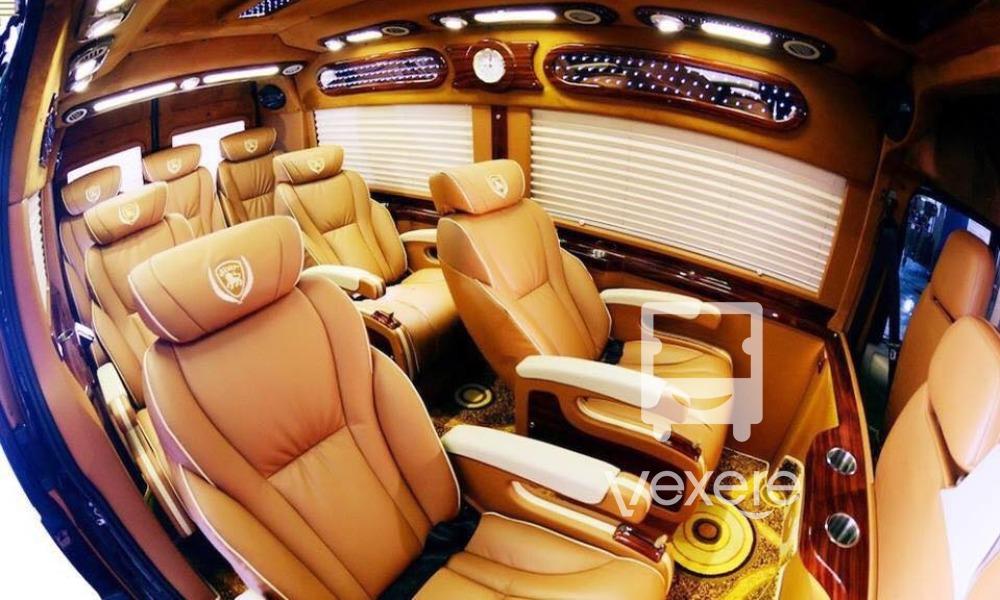 Nội thất xe Hoàng Đức Limousine đi Đà Nẵng từ Huế