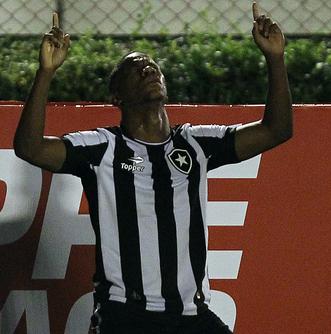 Ribamar comemora o gol pelo Botafogo no Brasileirãio 2016
