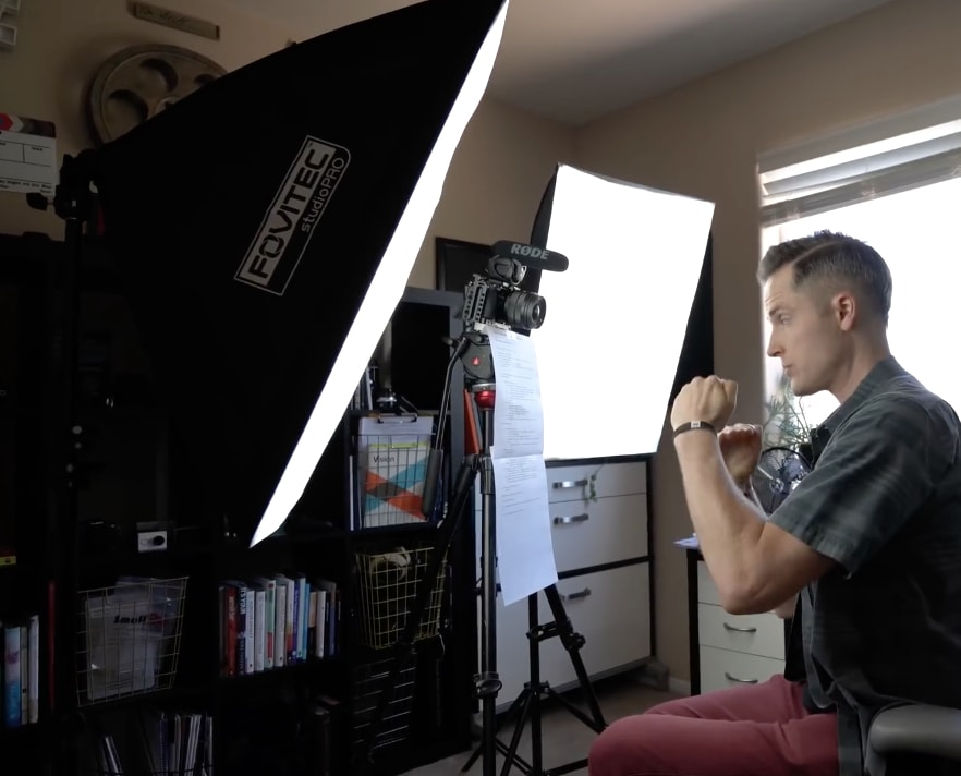 eLearning video production: Optimal light source positioning