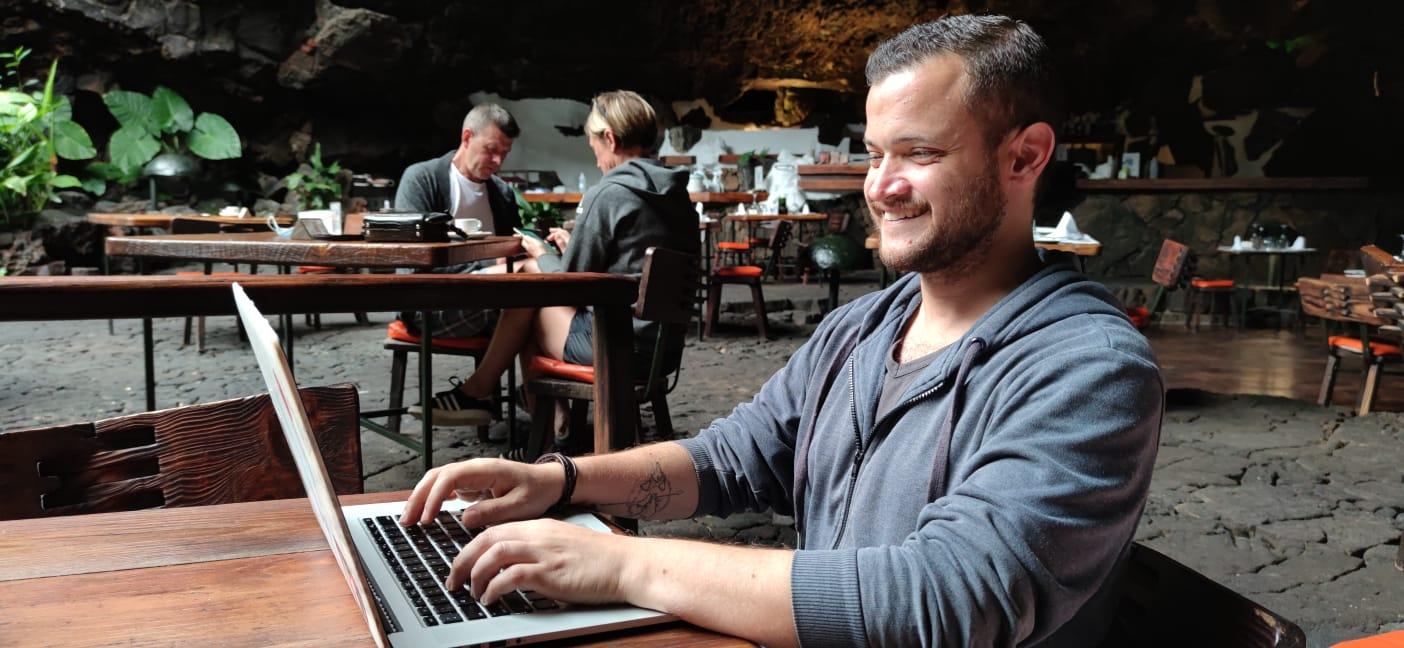 Alex Russo: imprenditore digitale e nomade digitale
