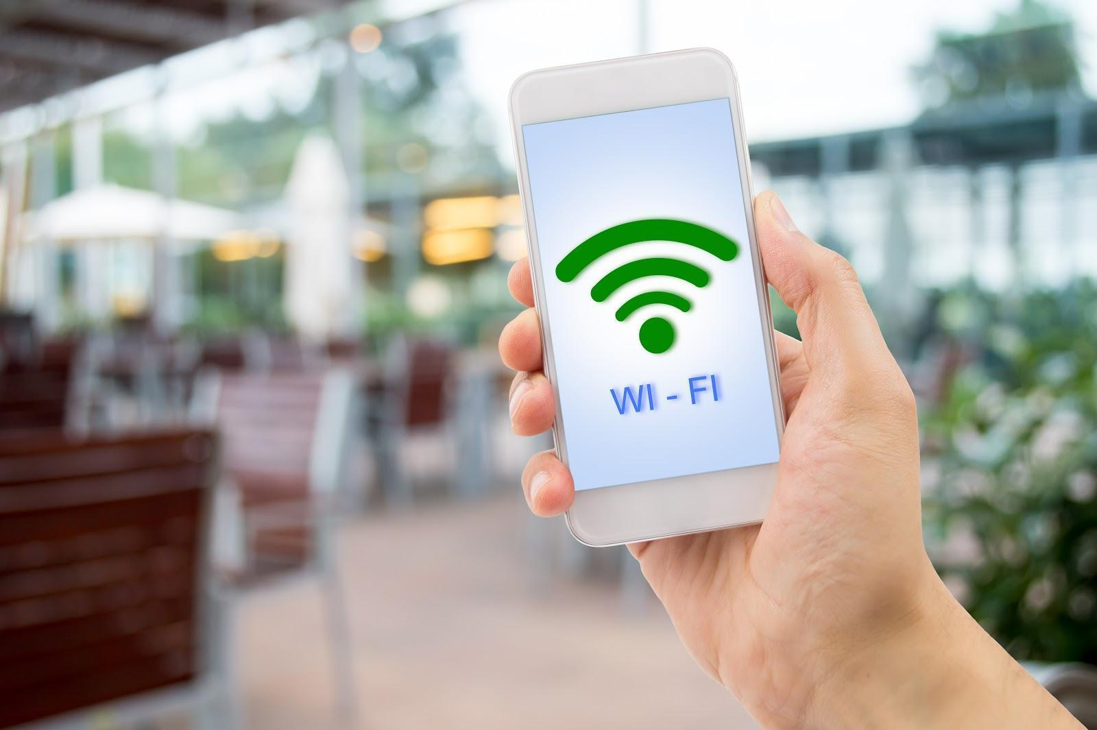 What-eliminates-the-disadvanteges-of-Wi-Fi-hotspot-devices-?