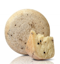 This pecorino is cured for at least 6 months. Intense aroma and spiced taste. The cheese it in full of black pepper grains inside.