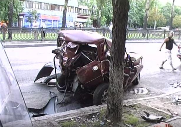 Автомобіль, загинувшего у ДТП прапорщик внутрішніх військ Володимир Куликовський