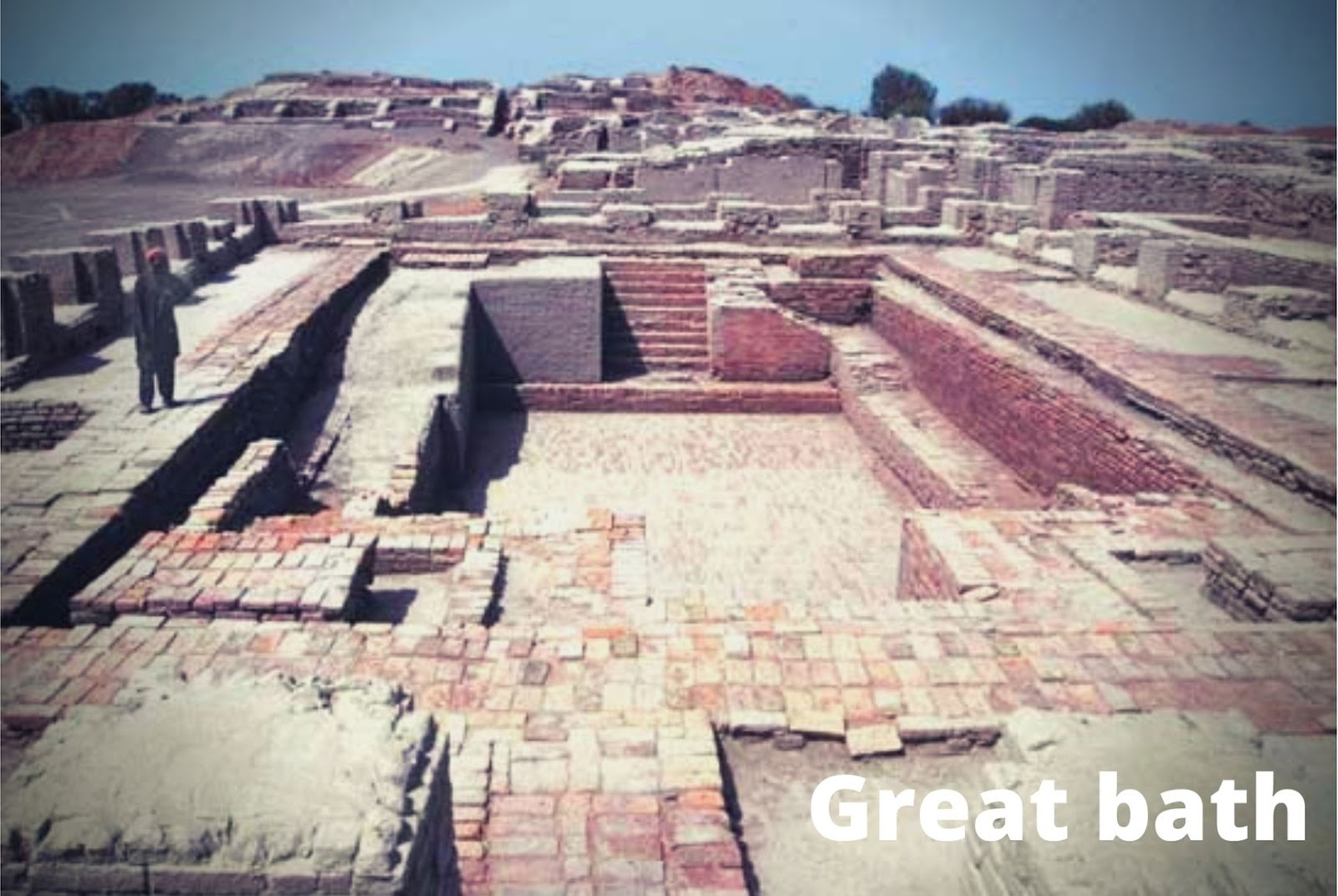 In The Earliest Cities: Great bath