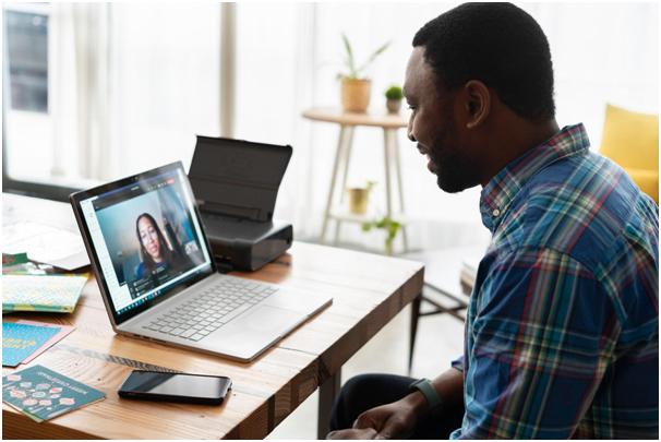 Saiba como ganhar dinheiro com curso online