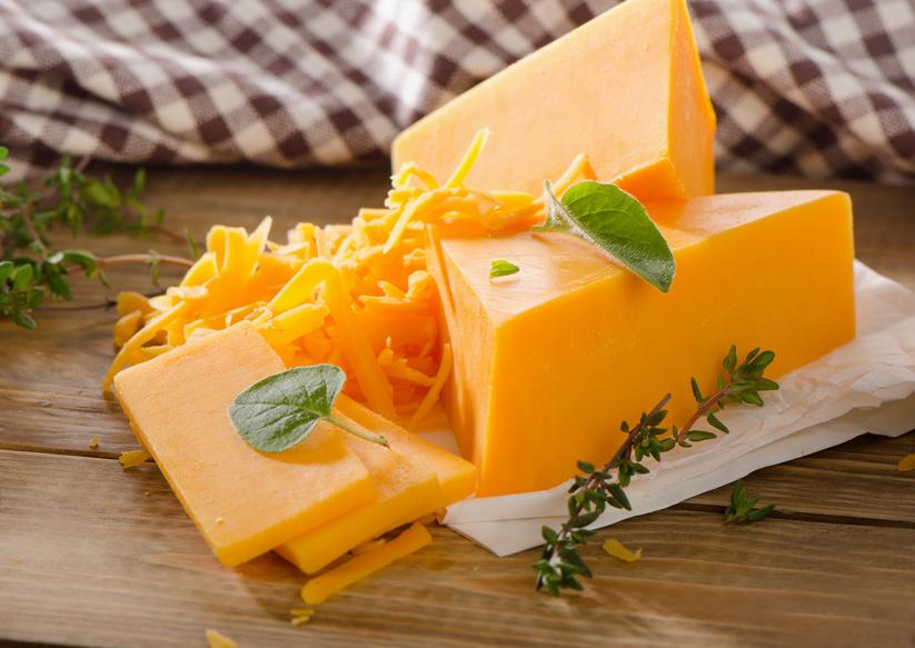 Phô mai Cheddar chiếm 50% thị trường tiêu thụ tại Anh Quốc
