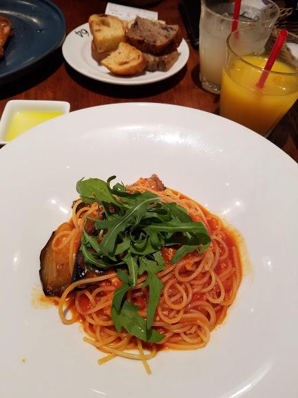 鶏ミンチとナスのトマトソースパスタ
