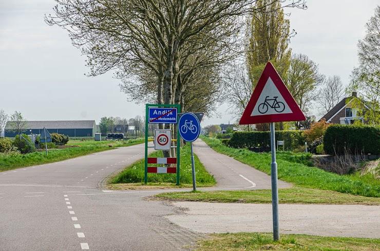 Fietspaden in de polder - Foto Corina Sas