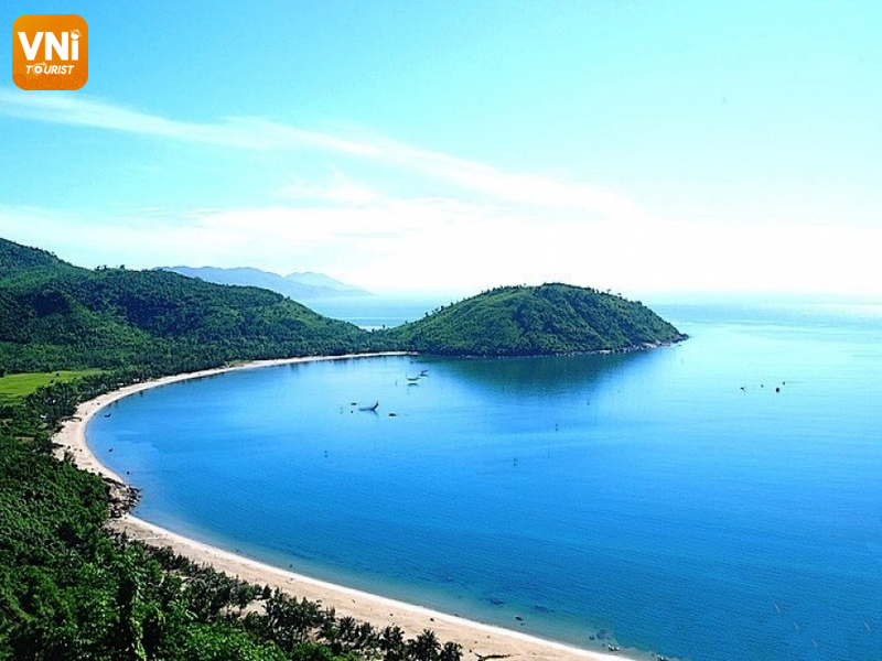 Danang tourist destinations - son tra peninsula